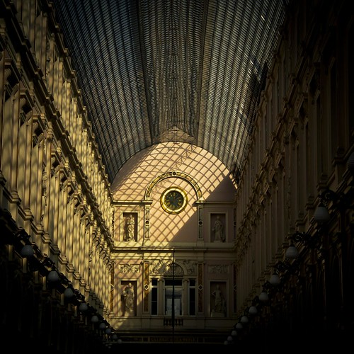 Passage Through the Light (Galeries Saint-Hubert, Bruxelles) - Photo : Gilderic