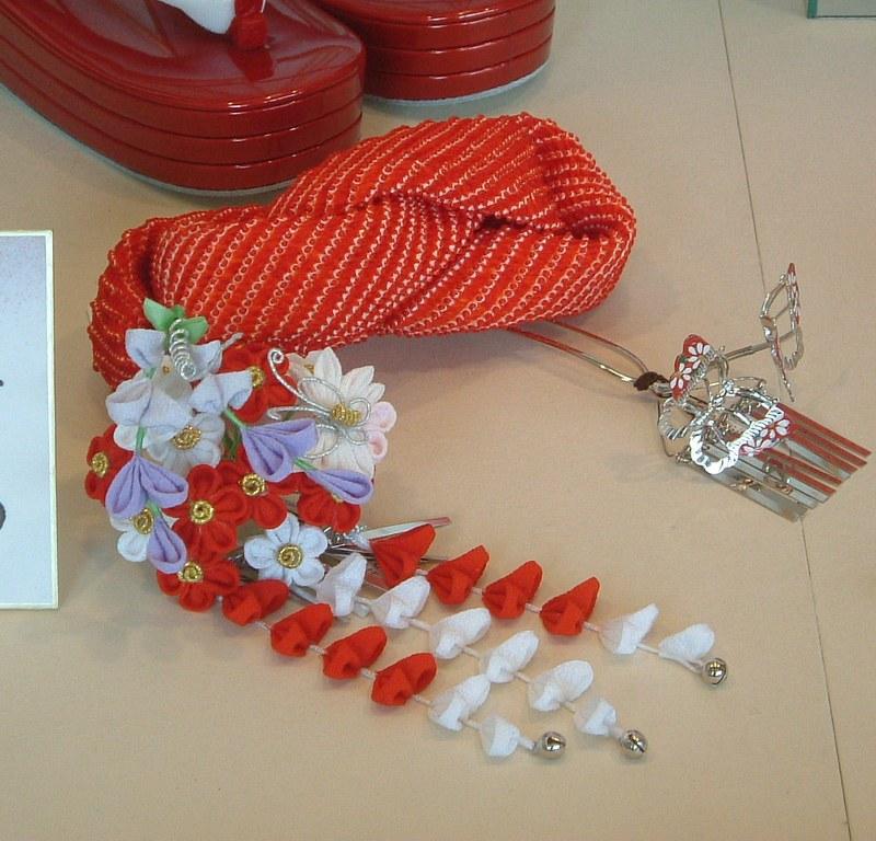 Regalos y souvenirs de Japón: adornos para el pelo o kanzashi