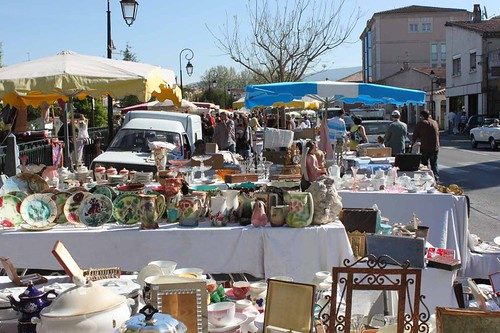 20110410_1388_antique-stall