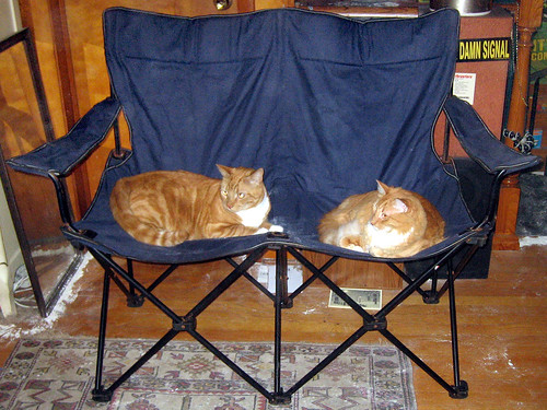 20120519 - yardsale booty - camping double-chair, Lemonjello, Oranjello - IMG_4226