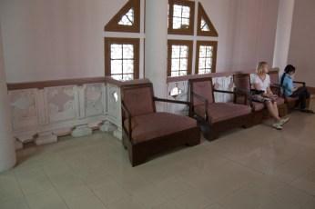 Sitzgelegenheit 1