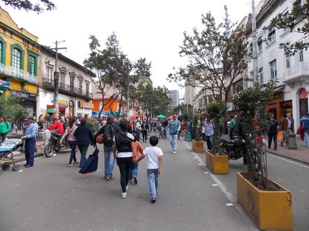 Isto é o domingo a tarde em Bogotá