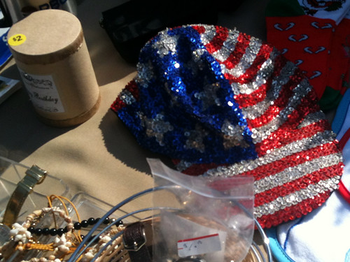 Sequin-spangled hat