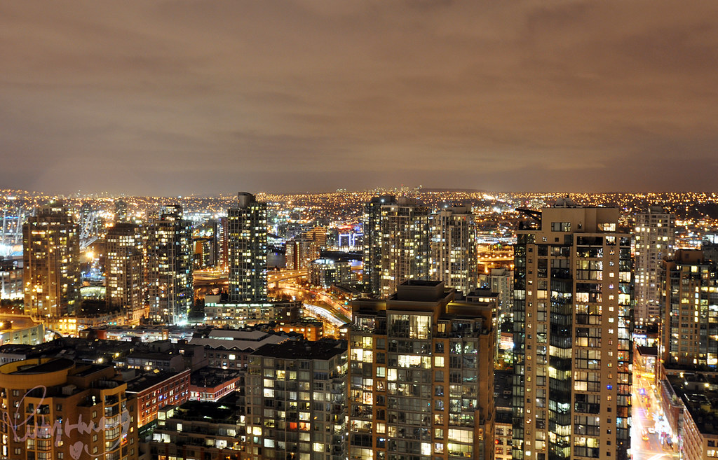 Dwtn Vancouver at night... lovin this city so much