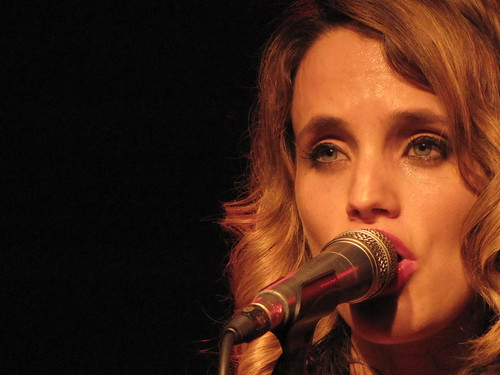 Anna Calvi live at Locomotiv club