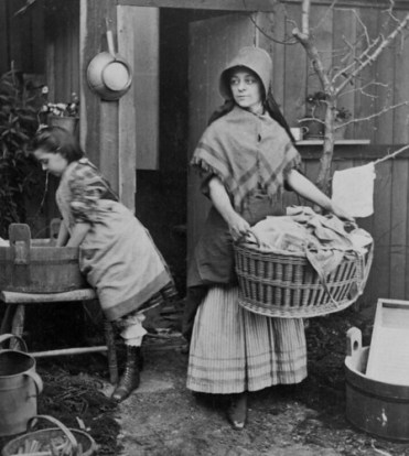 (animated stereo) Laundry during the guilded age, 1870