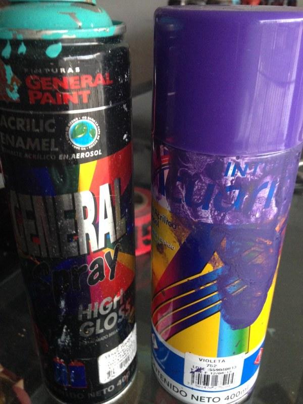 Costarica graffiti cans