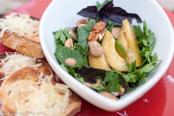 Salata cu prune si nuci