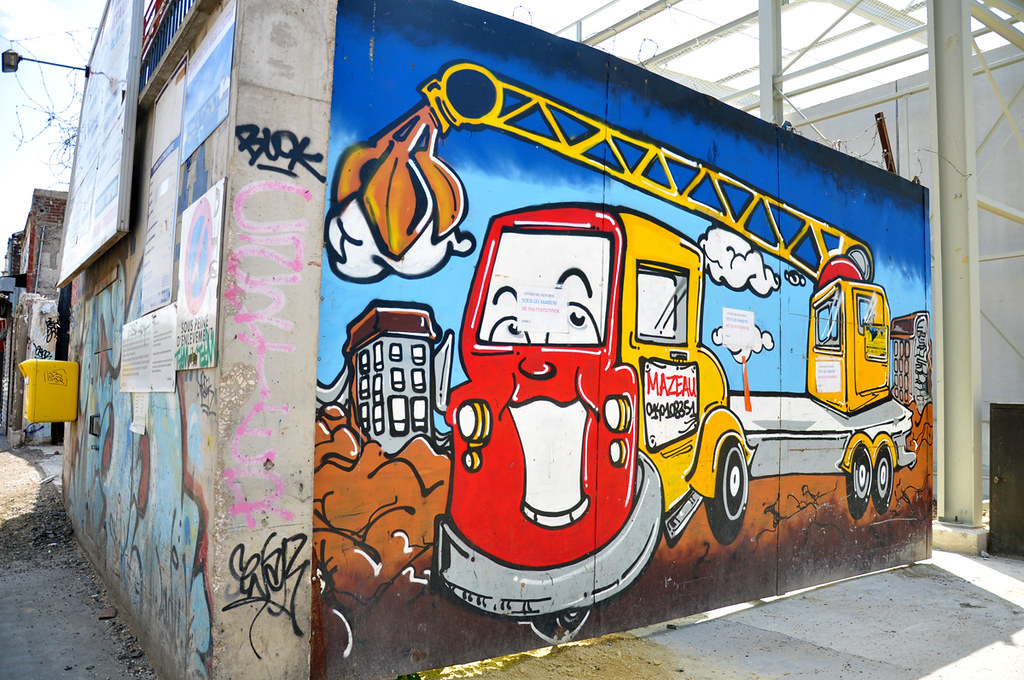Graffiti construction1