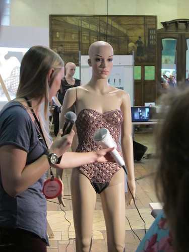 Smart Textiles Salon - SYSTEX Student Award 2012 Winner: UNLACE by Eef Lubbers of University of Technology, Eindhoven