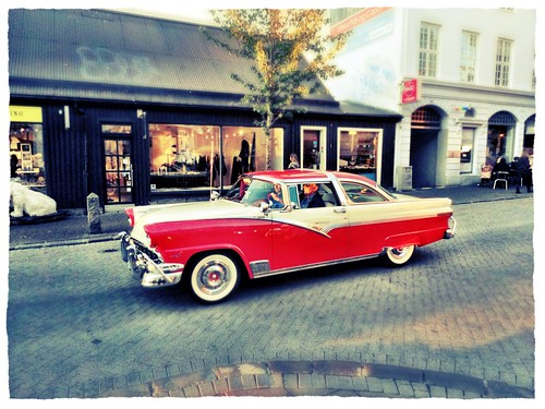 Classic car parade on a Friday night in Reykjavik by SpatzMe