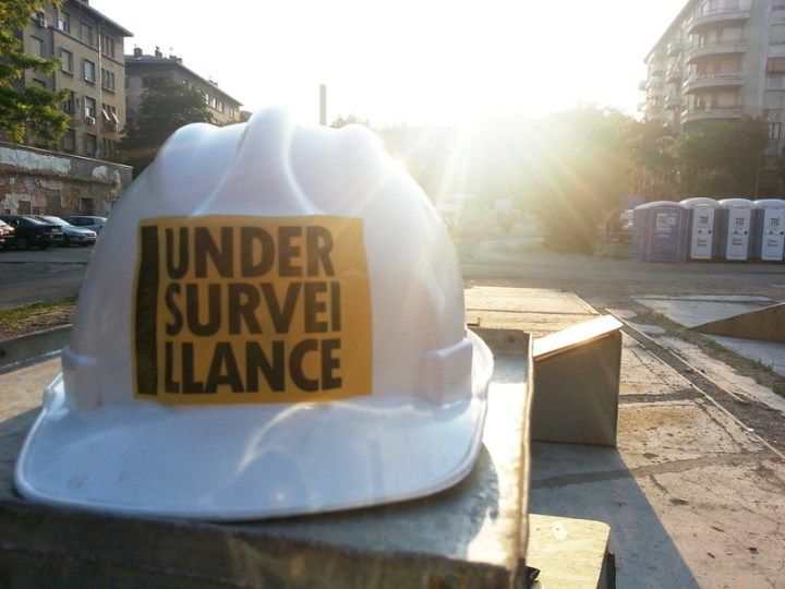 UNDER SURVEI LLANCE