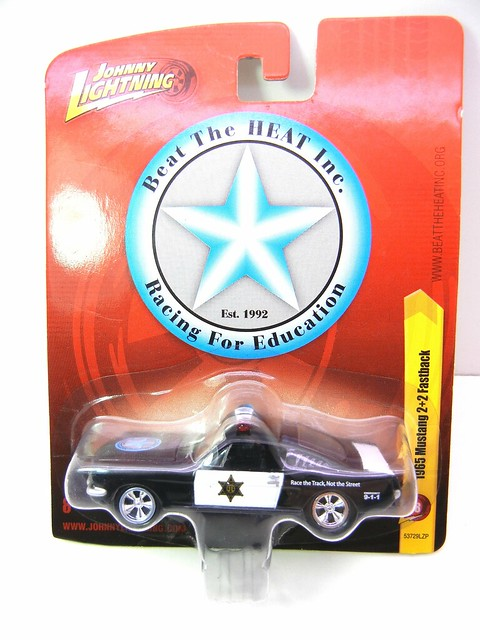 johnny lightning 1965 mustang 2+2 fastback police (1)