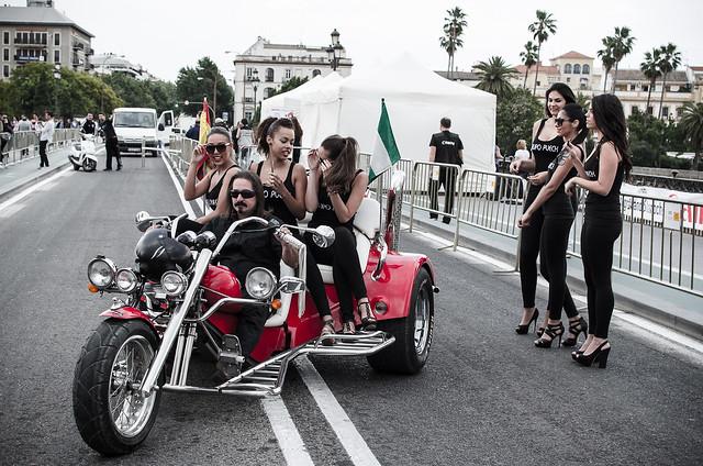 Dame una moto, que lo demás viene rodado (IV)