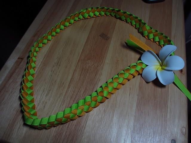 ribbon lei