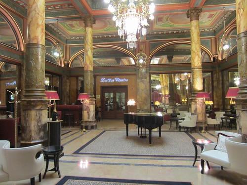 hotel bar in the metropole