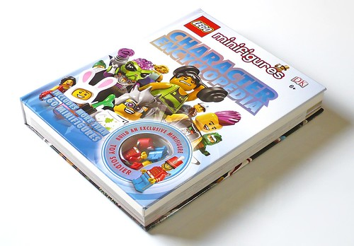 LEGO Minifigures Character Encyclopedia 01