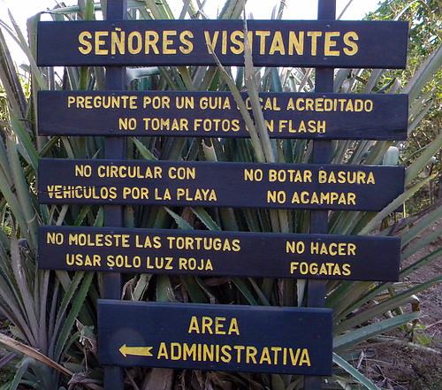 Costa Rica: Ostional Sign 'Don't do that!'