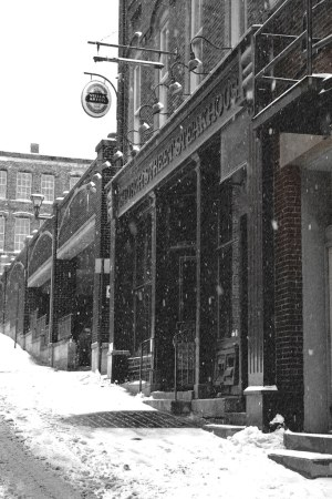 Saint John : Grannan's Street / Church Street Bar and Grill in the Wintertime.