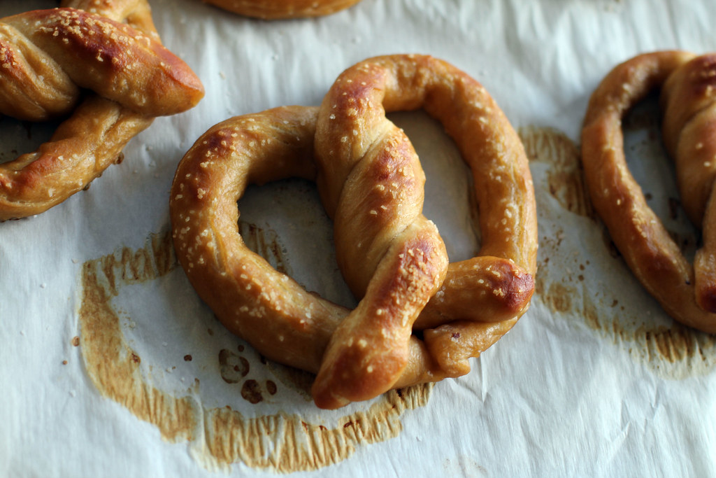 soft pretzels, homemade