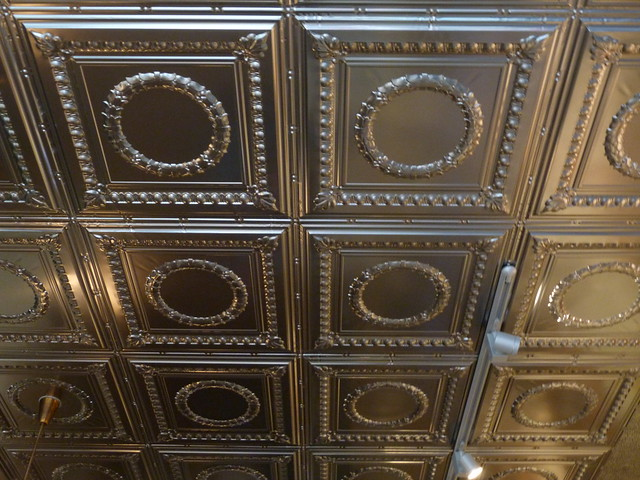 Buvette Gastrotheque - tin ceiling