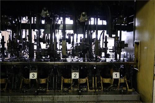 アツアツのガラス@日本山村ガラス東京工場