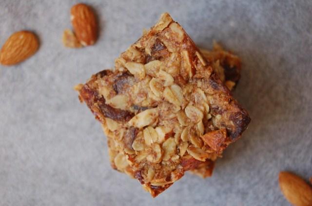 almond date granola bars