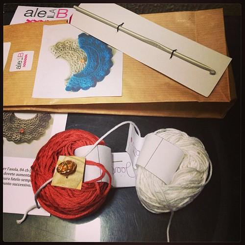 Grazieeee @silviaf !!!!! Hai reso speciale un venerdì pomeriggio!!!! #woolcrossing #yarn #alelab #crochet @wool_crossing @ale_la_b  siete mitiche!!!