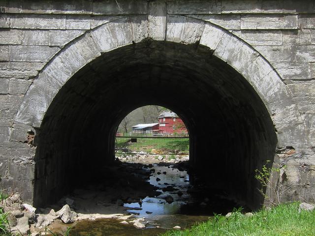 Stone arch bridge in Marshall