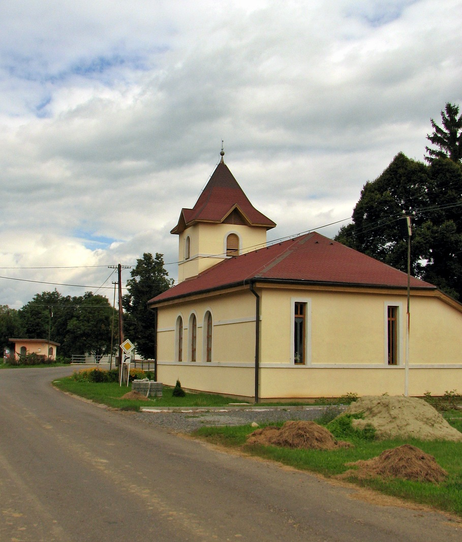 Kostol v M. Stracinách