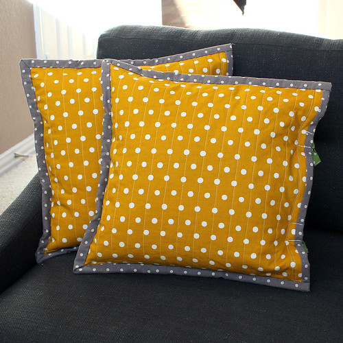 daisy cushion back