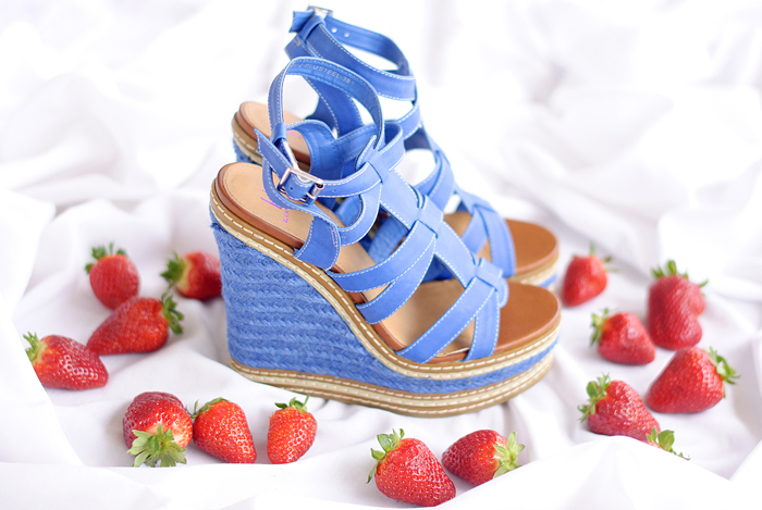 Strawberry and electric blue wedges