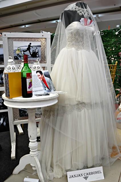 Wedding Gown by Janjan Carbonel