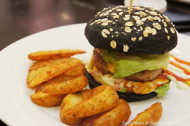 5.daiban-Dai Ban Pork Burger @ RM15.90 (4)