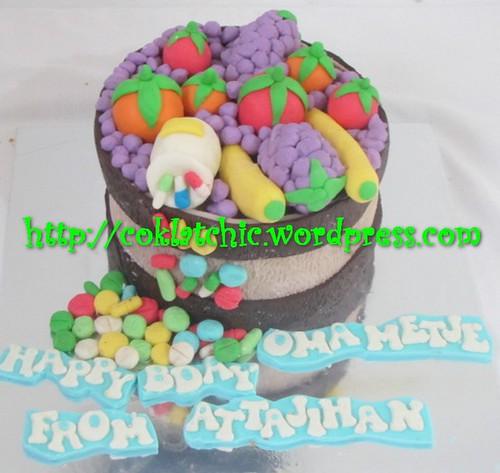 Cake buah-buahan dan obat