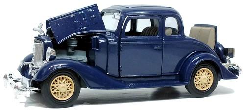 Newray Chevrolet 5window coupé 1933 (1)