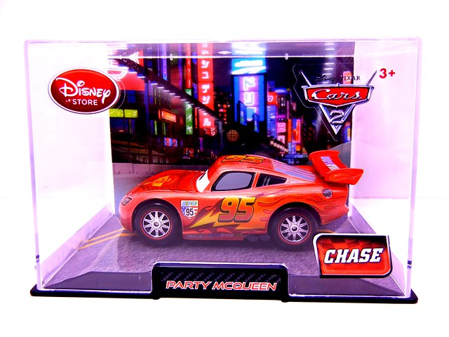 disney store cars 2 chase party mcqueen (1)