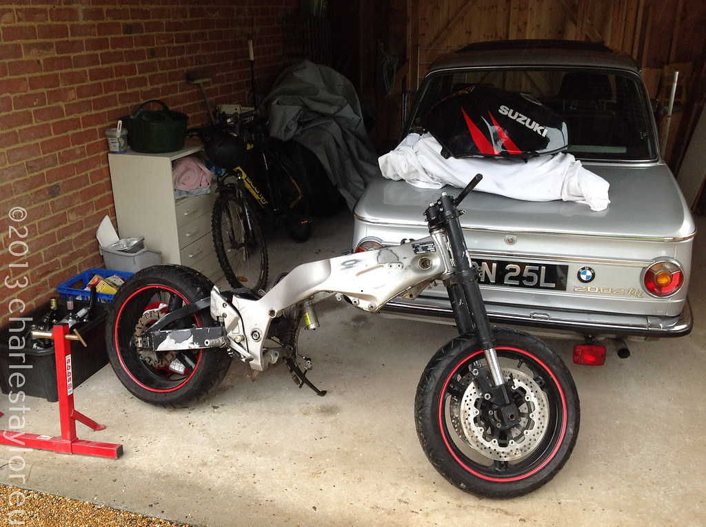 5. Removing the RF900 tail (Subframe)