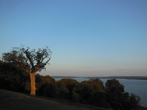 Potomac view from Mt Vernon lawn