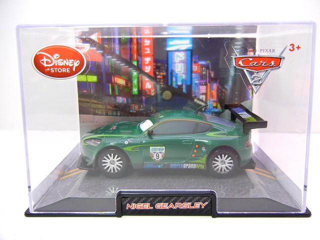 disney store cars 2 nigel gearsley (1)