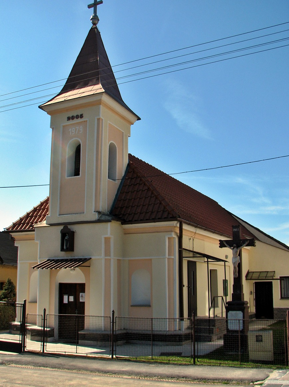 Katolícky kostol v Bátorovej