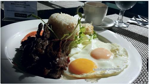breakfast at www.earthlingorgeous.com