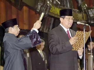 Sumpah Presiden SBY 1