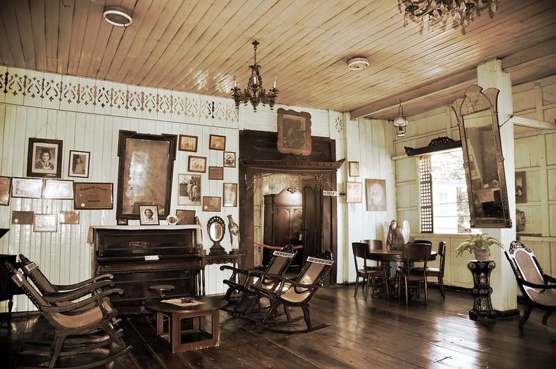 Floro Crisologo House