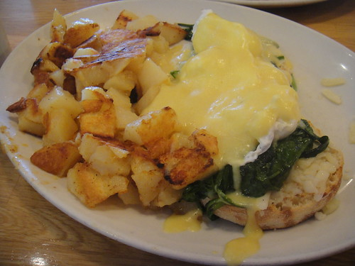 Eggs Florentine with home fries