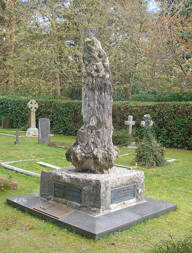 grave of Alfred Russel Wallace