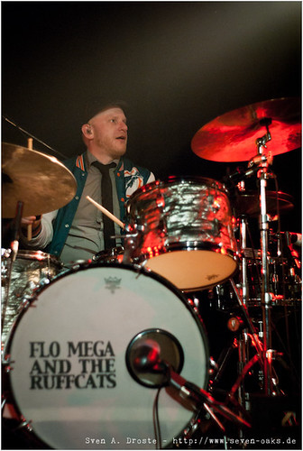 Flo Mega (Florian Bosum) / Flo Mega & The Ruffcats