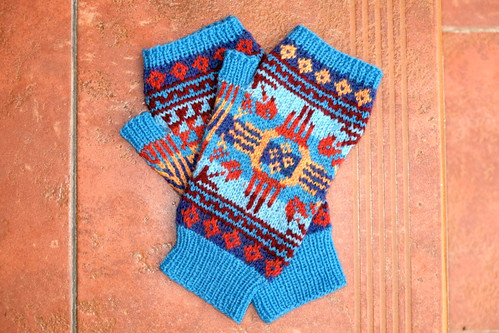 Albuquerque Mitts by kpetra