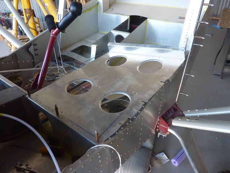 Seat pan overhang
