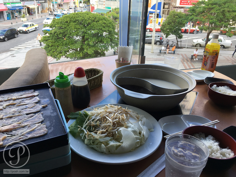 國際通上的涮涮鍋~【Cookiya(コキヤ)】街景